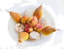 Biscuits et biscuits de sucrerie sur le fond blanc Photo libre de droits