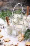 Biscuits et cocktail de Noël Image libre de droits