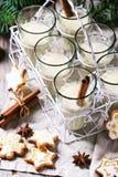 Biscuits et cocktail de Noël Photographie stock