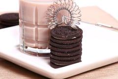Biscuits et lait Photos libres de droits