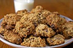 Biscuits et lait de farine d'avoine Image stock