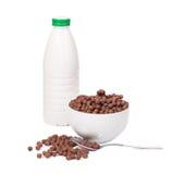 Biscuits et lait de Weat Photo stock
