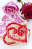 Biscuits et roses de Valentines Images libres de droits