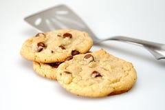 Biscuits et spatule de puce de chocolat image libre de droits
