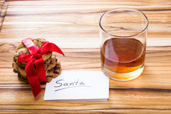 Biscuits et whiskey pour Santa Photographie stock