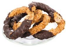 Biscuits faits maison avec du chocolat Images libres de droits