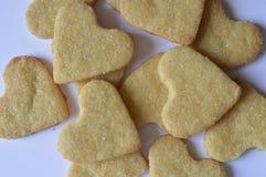 Biscuits faits maison de coeur Photo stock