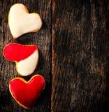 Biscuits faits maison de coeur Image stock