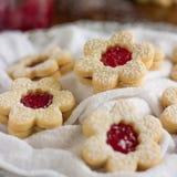 Biscuits faits maison de Linzer Photos stock