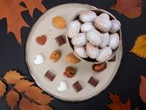 Biscuits formés par noix Oreshki russe photos libres de droits