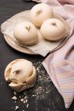 Biscuits français de meringue image stock