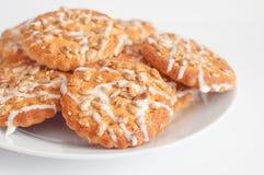 Biscuits ronds avec le tournesol et les graines de sésame, petite profondeur de fi Photographie stock libre de droits