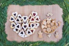 Biscuits sablés de confiture et biscuits de miel Photos libres de droits