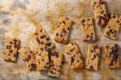 Biscuits sablés de sésame avec des canneberges Photos libres de droits