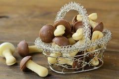 Biscuits sous forme de champignons de couche images stock