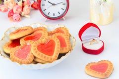 Biscuits sous forme de coeurs Photographie stock libre de droits