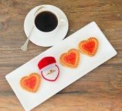 Biscuits sous forme de coeurs Photos libres de droits