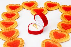 Biscuits sous forme de coeurs Photos stock