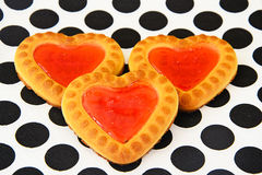 Biscuits sous forme de coeurs Images stock