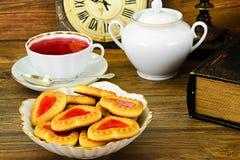 Biscuits sous forme de coeurs Photographie stock