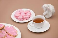 Biscuits sous forme de coeurs le jour du ` s de Valentine Photographie stock