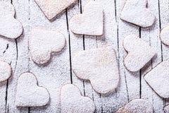Biscuits sous forme de coeurs, vue supérieure Images libres de droits