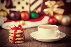 Biscuits, tasse de café Photographie stock libre de droits