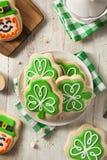 Biscuits verts de jour de St Patricks de trèfle Images stock