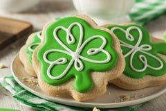 Biscuits verts de jour de St Patricks de trèfle Image libre de droits