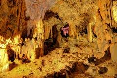 Biserujka grotta i byn av Rudine, i ön av Krk, C Arkivbild