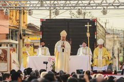 Bishop celebrating the mass of Corpus Christi. Campo Grande, Brazil - May 31, 2018: Holiday event of Corpus Christi at the 14 de Julho street. Bishop celebrating Stock Photos