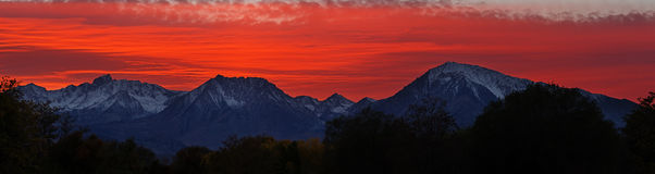 Bishop Sunset. Sunset over Mount Humphreys Basin Mountain and Mount Tom from Bishop California Stock Photo
