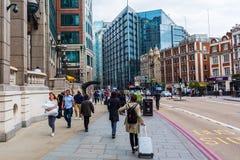 Взгляд улицы на Bishopsgate в Лондоне, Великобритании Стоковые Изображения RF