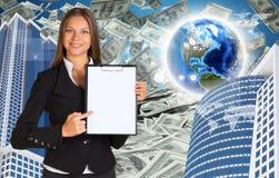 Bisinesswoman hold paper holder Buildings and Lizenzfreie Stockbilder