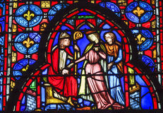 Biskop Queen Stained Glass Sainte Chapelle Paris France royaltyfria foton
