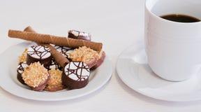 Biskuite und Kaffee Stockfotografie