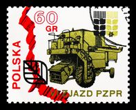 Bison combine harvester, 6th Congress Of The Polish United Worker's Party serie, circa 1971. MOSCOW, RUSSIA - SEPTEMBER 15, 2018: A stamp printed in Poland shows stock photos
