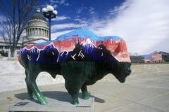 Bisonte pintado, proyecto del arte de la comunidad, olimpiadas de invierno, capitol del estado, Salt Lake City, UT Imágenes de archivo libres de regalías