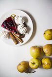 Bisquits och frukter 03 Arkivbild