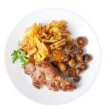 Bistecca con le patate fritte e la vista superiore isolata funghi fotografia stock libera da diritti