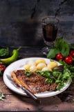 Bistecca cotta con le patate Immagine Stock Libera da Diritti