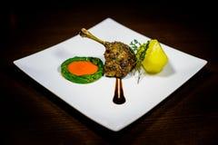 Bistecca dell'anatra con asparago Fotografia Stock Libera da Diritti
