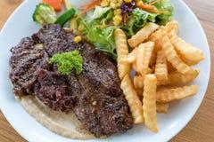 Bistecca della carne dei cervi fotografie stock libere da diritti