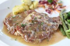 Bistecca della carne di maiale di Saltimbocca fotografia stock libera da diritti