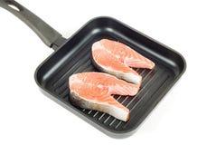 Bistecca della trota alla vaschetta della griglia Fotografia Stock