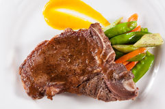 Bistecca di bistecca con l'osso cotta fotografie stock libere da diritti