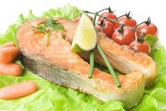 Bistecca di color salmone con le verdure Fotografie Stock
