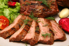 Bistecca di manzo arrostita servita Fotografie Stock