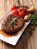 Bistecca di manzo cotta fotografie stock libere da diritti