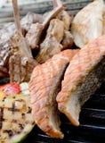 Bistecca di manzo e bistecca dei frutti di mare Fotografie Stock Libere da Diritti